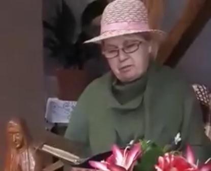 """""""O naszym Papieżu ten wiersz"""" – czyta Maria Wiśniowska"""