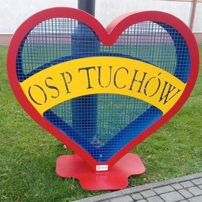 Przy Domu Kultury w Tuchowie stanęło serce!