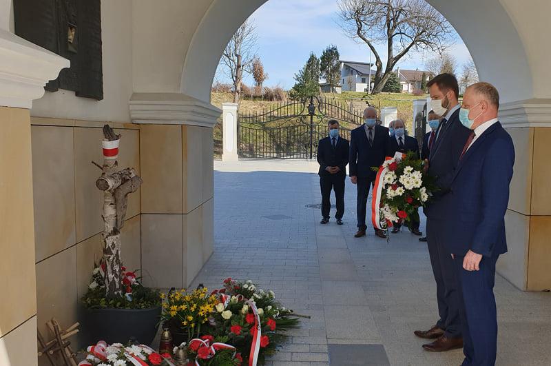 10 kwietnia 2010 – 10 kwietnia 2021 – Tuchów pamięta!