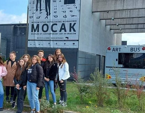 Wyjazd młodzieży w ramach Program Równać Szanse do MOCAK Muzeum Sztuki Współczesnej w Krakowie / Museum of Contemporary Art przyniosła wiele inspiracji i zaskoczeń.